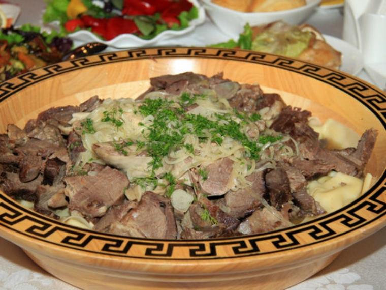 Как правильно приготовить бешбармак из говядины